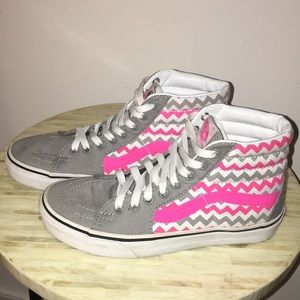Vans high top skateboard sneaker shoe. Size 7